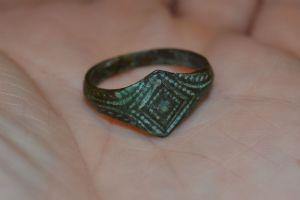 An excellent and wearable Tudor Period gents bronze finger ring found in the Midlands. SOLD
